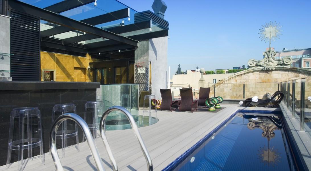 Terraza madera tecnológica Hotel Bagués Barcelona