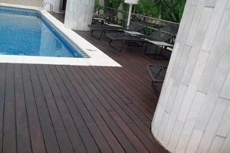 Mantenimieto tarima piscina madera barcelona