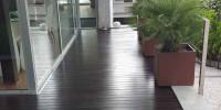 Tratamiento madera tarima piscina tropical