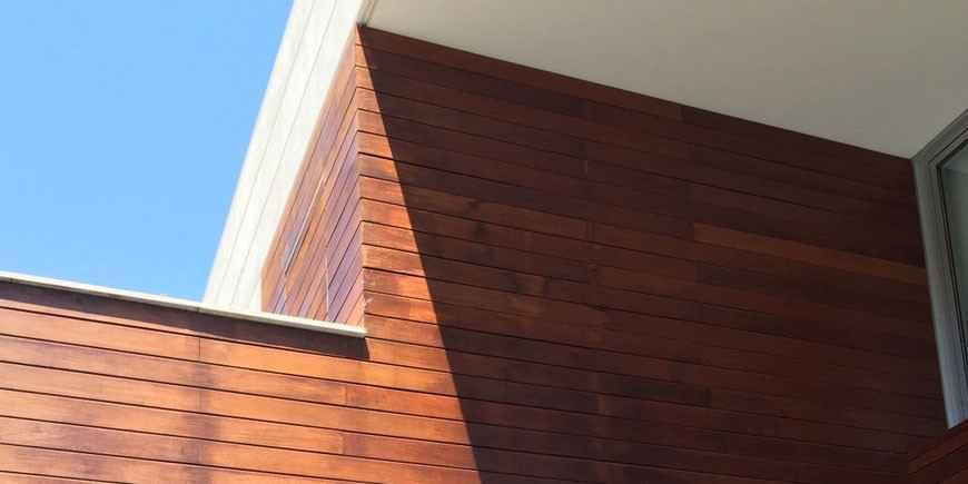 Mantenimiento fachada madera tropical casa - Doctor Madera
