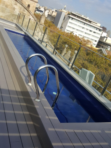 Tratamiento madera en terraza hotel bagu s barcelona - House doctor barcelona ...